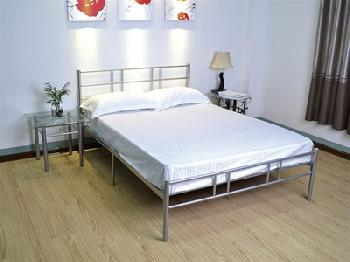 GFW Morgan Silver 4' 6 Double Silver Metal Metal Bed